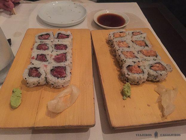Cenando en Kazan Sushi en Como