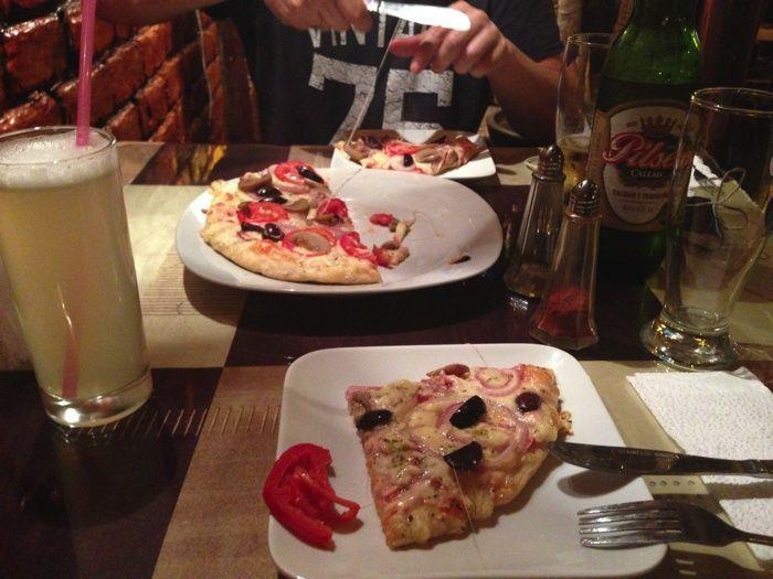 Cenando en La Choza en Nazca