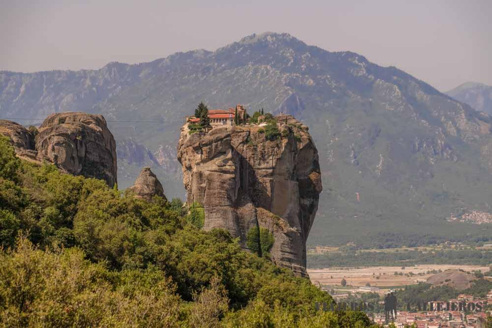 Meteora, uno de los lugares que no puede faltar al viajar de Grecia