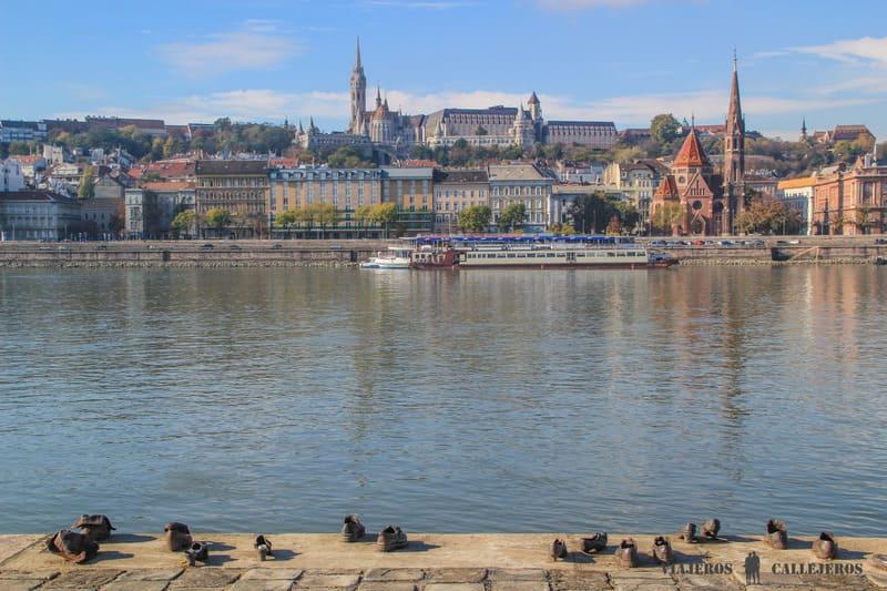 Pasear por la orilla del Danubio, otra de las mejores cosas que hacer en Budapest